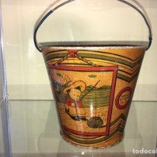 Juguetes antiguos de hojalata: CUBO DE HOJALATA TIPO RICO /PAYA. Lote 143032445