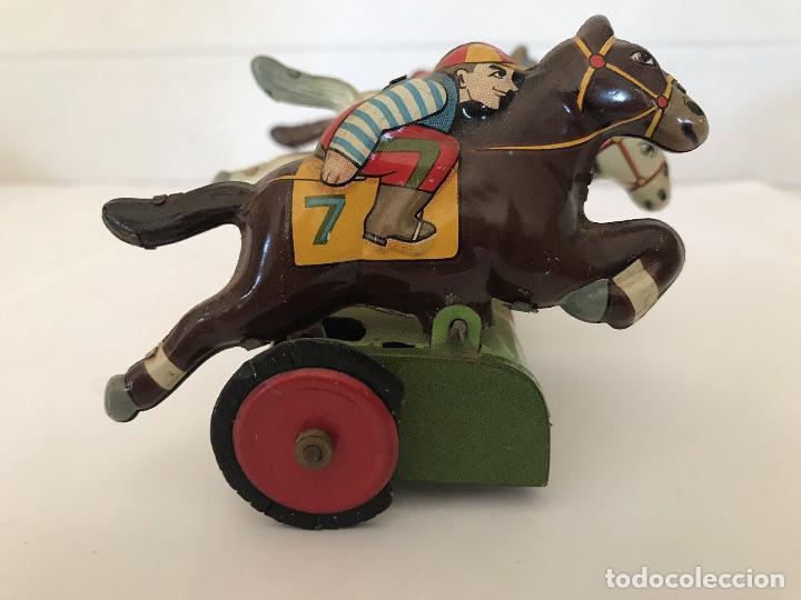 Juguetes antiguos de hojalata: MUY RARO ANTIGÜO JUEGO DE CARRERAS DE CABALLOS HOJALATA MADE EN JAPON AÑOS 30 40 FIRMADO - Foto 5 - 144060638
