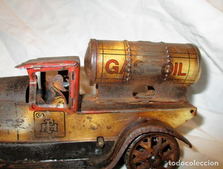 Juguetes antiguos de hojalata: CAMIÓN DE GAS-OIL A CUERDA DE PAYÁ HERMANOS. - Foto 4 - 144664182