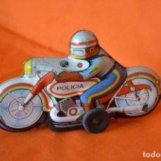 Juguetes antiguos de hojalata: JUGUETES ROMAN MOTOCICLETA CON POLICIA DE HOJALATA SERIGRAFIADA. Lote 144741018