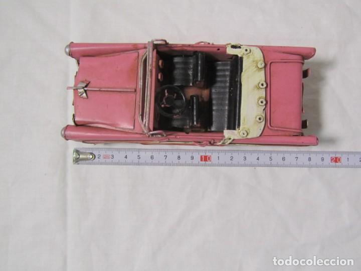 Juguetes antiguos de hojalata: Coche descapotable de hojalata chapa con alambre - Foto 2 - 146306146
