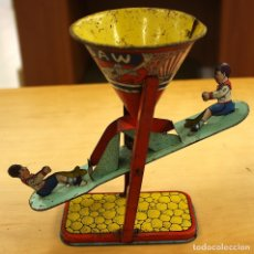 Juguetes antiguos de hojalata: JUGUETE HOJALATA SEE SAW. BALANCIN MARCA J. CHEIN. U.S.A. CIRCA 1950. Lote 146507402