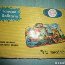 Juguetes antiguos de hojalata: PISTA PAYVASA. Lote 146641066