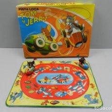 Juguetes antiguos de hojalata: PISTA LOCA Nº 6 TOM Y JERRY DE PASCUAL Y VALLS S.A. PAYVASA. MADE IN SPAIN. DIBUJOS MASSANA. Lote 156833850