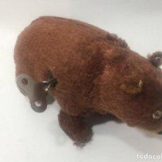 Juguetes antiguos de hojalata - Antiguo juguete oso funciona acuerda made in japan - 147570390