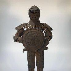 Juguetes antiguos de hojalata: JUGUETE MEDIEVAL DE HOJALATA. Lote 147624614