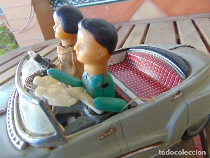 Juguetes antiguos de hojalata: ANTIGUO COCHE DE HOJALATA CHAPA SALVAOBSTACULOS TURISTAS NO SE LE VE MARCA CREO JAPONES - Foto 9 - 147901030