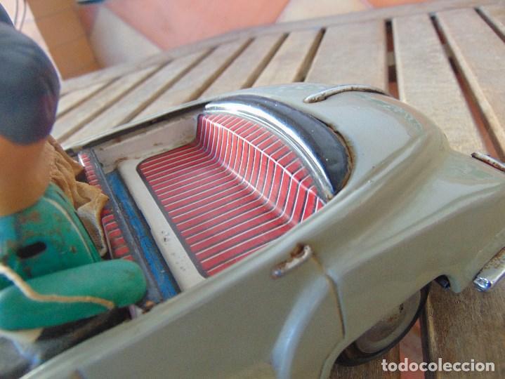 Juguetes antiguos de hojalata: ANTIGUO COCHE DE HOJALATA CHAPA SALVAOBSTACULOS TURISTAS NO SE LE VE MARCA CREO JAPONES - Foto 11 - 147901030