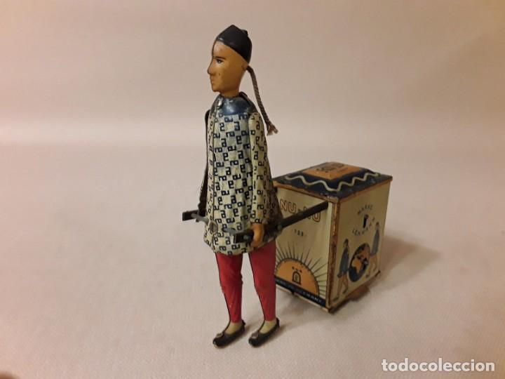 Juguetes antiguos de hojalata: IMPRESIONANTE PORTEADOR NU NU LEHMANN 1925 - Foto 2 - 147950114