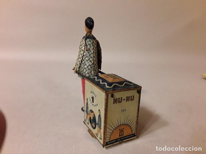 Juguetes antiguos de hojalata: IMPRESIONANTE PORTEADOR NU NU LEHMANN 1925 - Foto 3 - 147950114