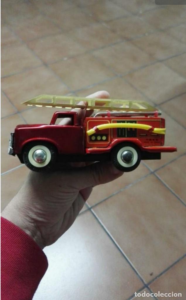 Juguetes antiguos de hojalata: Camión de bomberos hojalata antiguo - Foto 4 - 149704238
