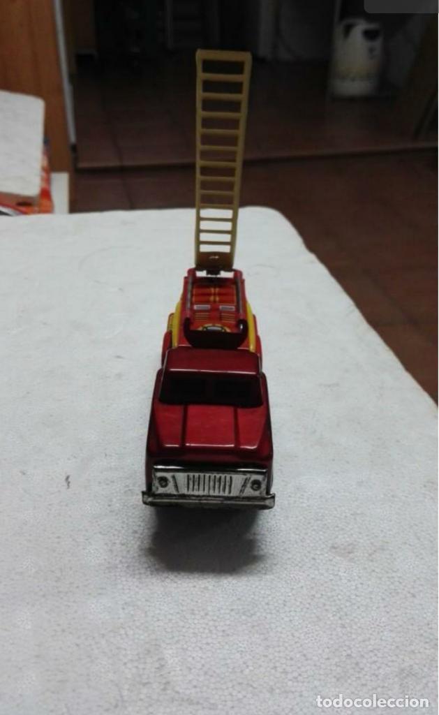 Juguetes antiguos de hojalata: Camión de bomberos hojalata antiguo - Foto 5 - 149704238