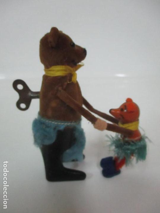 Juguetes antiguos de hojalata: Antiguo Juguete - Oso Bailando con Osito - Hojalata - Muñeco Autómata - Marca Schuco, Foreign - Foto 13 - 150796258