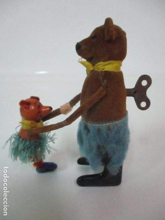 Juguetes antiguos de hojalata: Antiguo Juguete - Oso Bailando con Osito - Hojalata - Muñeco Autómata - Marca Schuco, Foreign - Foto 14 - 150796258