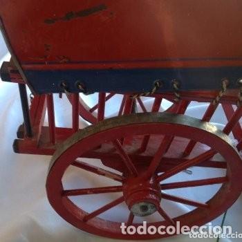 Juguetes antiguos de hojalata: CARRETA DE MADERA CON LONA DE HOJALATA - Foto 3 - 150842414