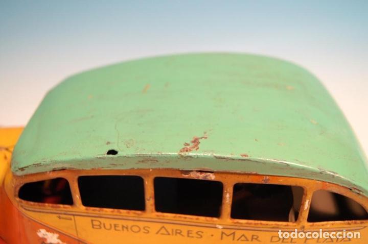 Juguetes antiguos de hojalata: COLECTIVO MATARAZZO AUTOBUS HOJALATA AÑOS 30 RARO - Foto 2 - 150948118