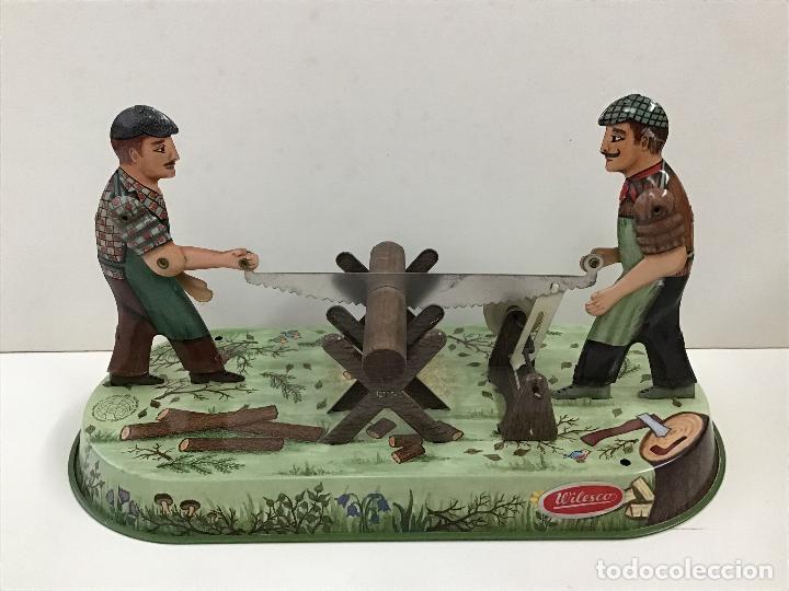 Juguetes antiguos de hojalata: Aserradores de Wilesco - Foto 2 - 150977074