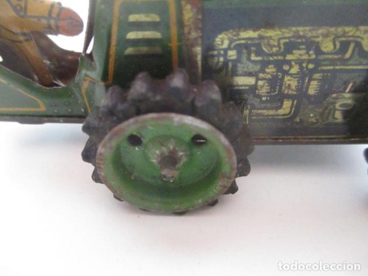 Juguetes antiguos de hojalata: Antiguo Juguete - Tractor Metálico a Cuerda - Autómata - Made in Germany - Foto 10 - 151050010