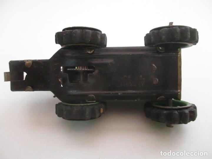 Juguetes antiguos de hojalata: Antiguo Juguete - Tractor Metálico a Cuerda - Autómata - Made in Germany - Foto 11 - 151050010