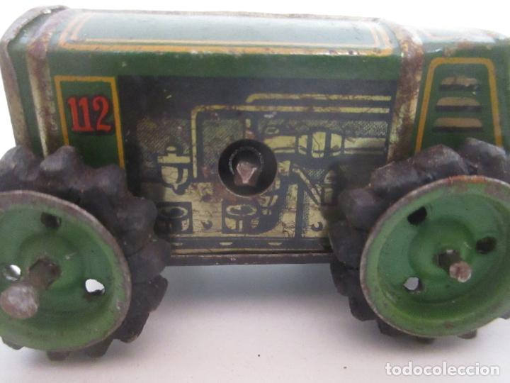 Juguetes antiguos de hojalata: Antiguo Juguete - Tractor Metálico a Cuerda - Autómata - Made in Germany - Foto 14 - 151050010