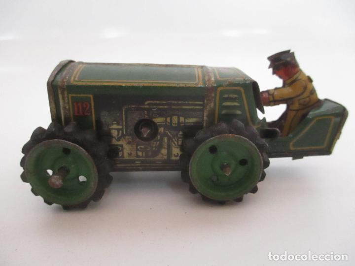Juguetes antiguos de hojalata: Antiguo Juguete - Tractor Metálico a Cuerda - Autómata - Made in Germany - Foto 15 - 151050010