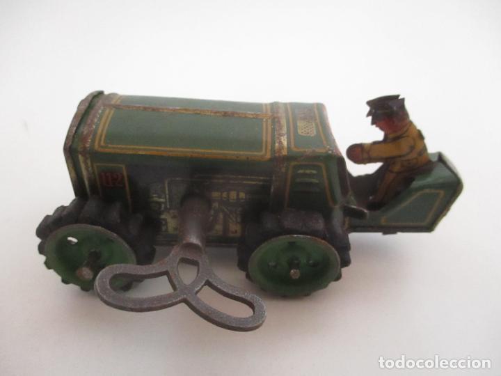 Juguetes antiguos de hojalata: Antiguo Juguete - Tractor Metálico a Cuerda - Autómata - Made in Germany - Foto 16 - 151050010