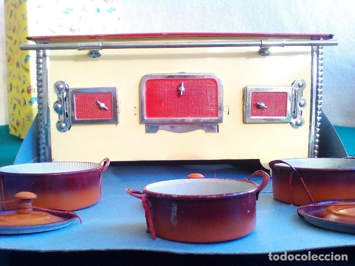 Juguetes antiguos de hojalata: COCINITA PAYÁ DE CHAPA CON CACEROLAS - AÑOS 40 - 50 - ES SU CAJA ORIGINAL - Foto 28 - 151420410