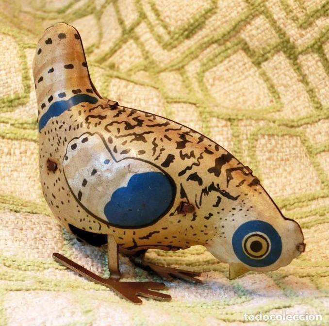 Juguetes antiguos de hojalata: GRACIOSO JUGUETE DE HOJALATA ACUERDA - GALLINA - CHAPA POLICROMADA - TIENE LLAVE - NO FUNCIONA - Foto 5 - 151666850