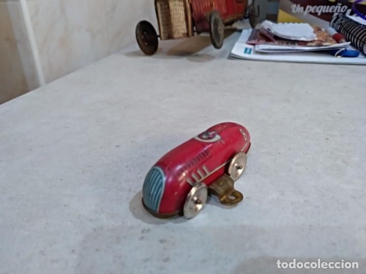 Juguetes antiguos de hojalata: pequeño bolido años 50 desconozco marca o fabricante - Foto 2 - 151954730