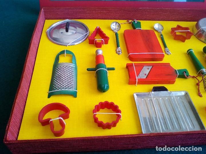 Juguetes antiguos de hojalata: UTENSILIOS COCINA DE JUGUETE EN CAJA EXPOSITORA - AÑOS 60 - Foto 5 - 152015510