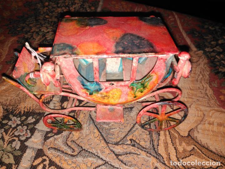 Juguetes antiguos de hojalata: ANTIGUA CARROZA VICTORIANA 19 cm EN HIERRO ESMALTADO SIGLO XIX - Foto 3 - 152319434