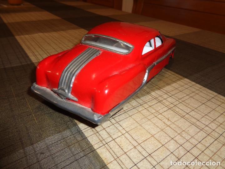 Juguetes antiguos de hojalata: raro coche de hojalata años 50 - Foto 4 - 154925278