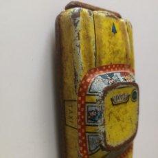 Juguetes antiguos de hojalata: COCHE TAXI. Lote 155346322