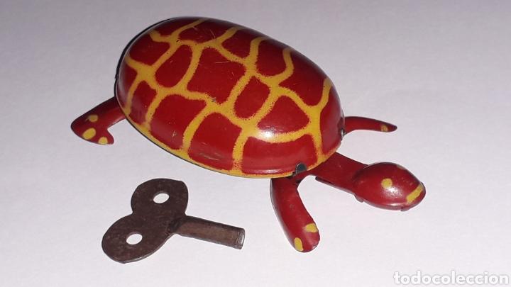 Juguetes antiguos de hojalata: Tortuga con mecanismo a cuerda, Juguetes Rico RSA made in Spain, original años 40. - Foto 6 - 157303202