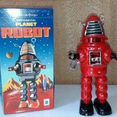 Brinquedos antigos de folha-de-Flandres: ROBOT ROBBY ROJO. Lote 157821458