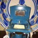 Juguetes antiguos de hojalata: LAVABO DE HOJALATA RICO. Lote 161439365