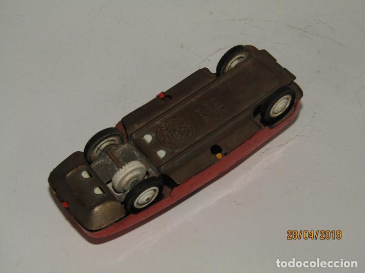 Juguetes antiguos de hojalata: Antiguo Automóbil en Chapa y Hojalata a Fricción de AMB MARCHESINI en Bologna Italia - Foto 2 - 161818494