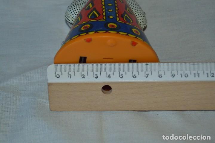 Juguetes antiguos de hojalata: Antigua muñeca RUSA de hojalata, a cuerda, funcionando correctamente - ¡Mira fotografías y detalles! - Foto 6 - 163491998