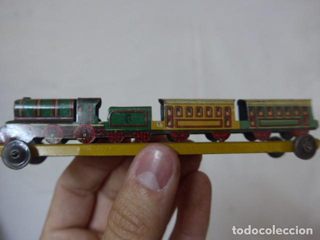Juguetes antiguos de hojalata: Antiguo tren de hojalata de Paya original, de principios siglo XX. - Foto 3 - 164630026