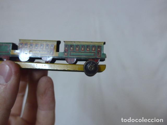 Juguetes antiguos de hojalata: Antiguo tren de hojalata de Paya original, de principios siglo XX. - Foto 4 - 164630026