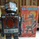 Juguetes antiguos de hojalata: ROBOT MR. HUSTLER. S.H. HORIKAWA. JAPAN. EN SU CAJA. VER FOTOS Y DESCRIPCION. 28 CM ALT.. Lote 165062818
