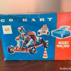 Juguetes antiguos de hojalata: HUKI GO-KART CAJA VACIA AÑOS 50. Lote 165112770
