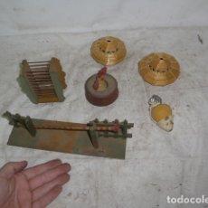 Juguetes antiguos de hojalata: LOTE DE JUGUETES ANTIGUOS, VARIEDAD, MAYORIA DE MADERA, PEONZA, CHICHONERS MUÑECO BEBE.... Lote 165224066
