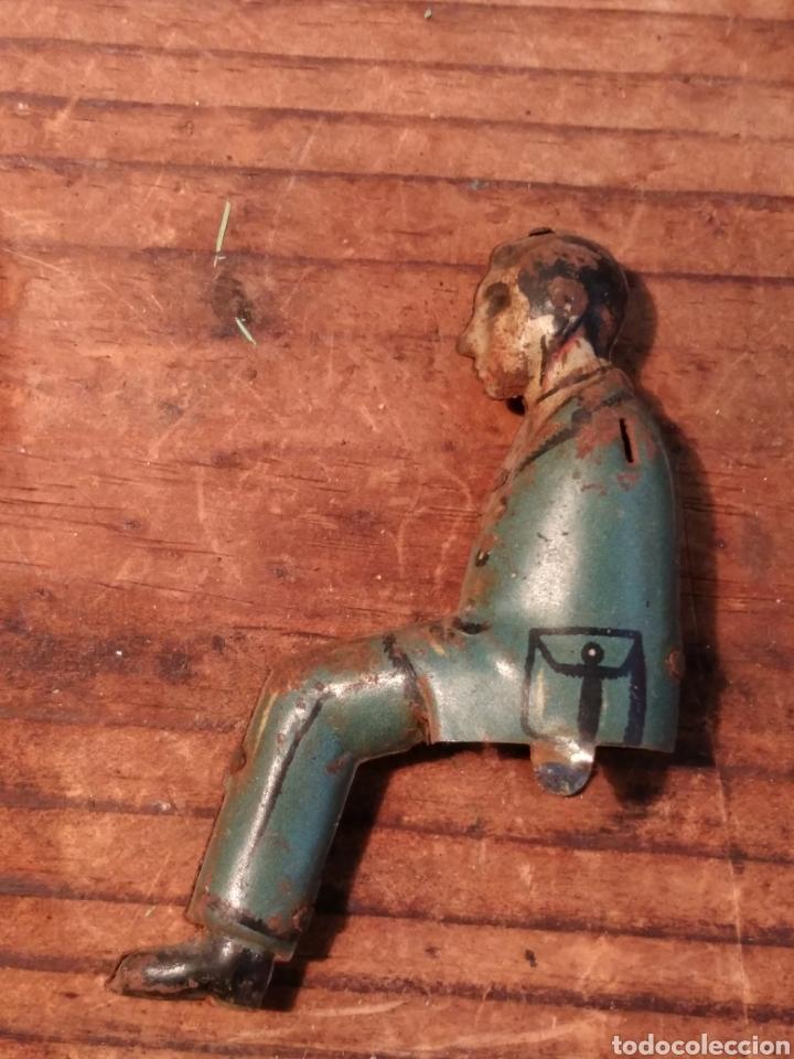 Juguetes antiguos de hojalata: Conductor Autobús guagua Rico años 30 - Foto 2 - 165541764