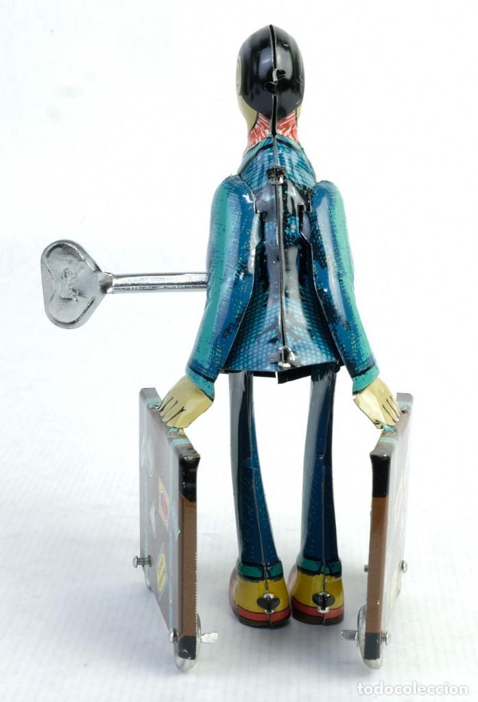 Juguetes antiguos de hojalata: Oficinista de juguete en hojalata finales siglo XX mecanismo cuerda - Foto 3 - 167047268
