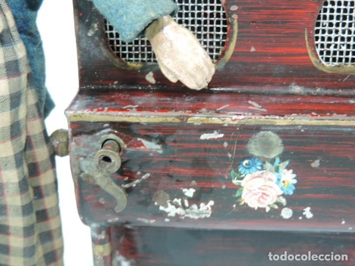 Juguetes antiguos de hojalata: MUÑECO ARTICULADO EN HOJALATA Y METAL. SABA BUCHERER. SUIZA. CIRCA 1920. ACOMPAÑADO DE ORGANILLO MET - Foto 6 - 168897336