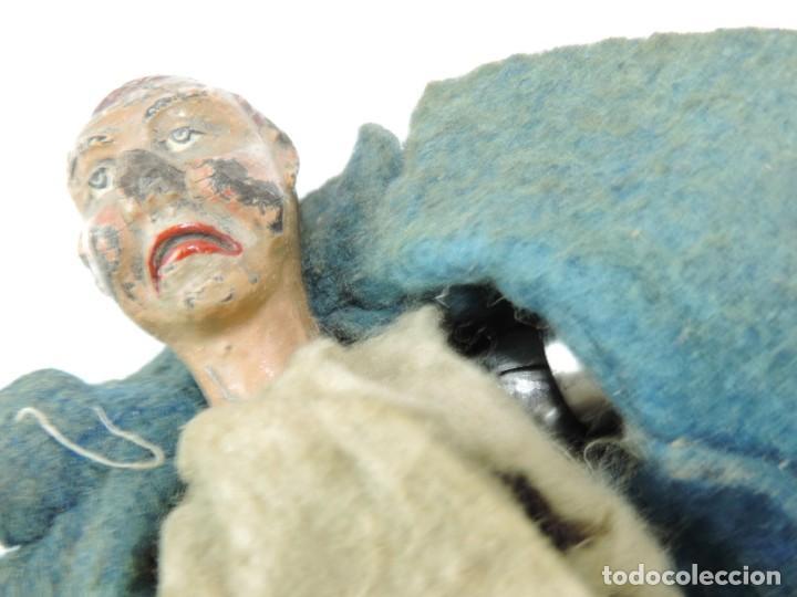 Juguetes antiguos de hojalata: MUÑECO ARTICULADO EN HOJALATA Y METAL. SABA BUCHERER. SUIZA. CIRCA 1920. ACOMPAÑADO DE ORGANILLO MET - Foto 9 - 168897336