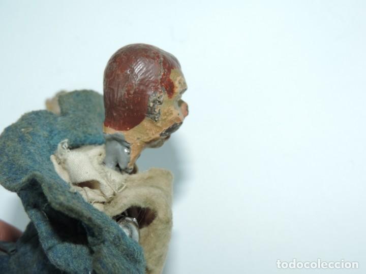 Juguetes antiguos de hojalata: MUÑECO ARTICULADO EN HOJALATA Y METAL. SABA BUCHERER. SUIZA. CIRCA 1920. ACOMPAÑADO DE ORGANILLO MET - Foto 11 - 168897336