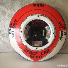 Juguetes antiguos de hojalata: PLATILLO OVNI UFO SPACE LAB MODERN TOYS PARA PIEZAS. Lote 170521800