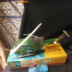 Juguetes antiguos de hojalata: HELICÓPTERO,HIGHWAY PATROL HELICOPTER,NOMURA,CAJA ORIGINAL. Lote 171508447